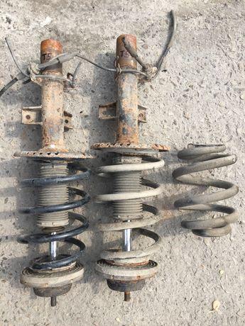 Vw T5 предни амортисьори с пружини и задна пружина