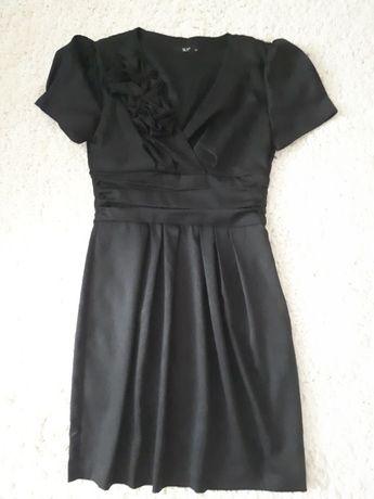 платье красивое в отличном состоянии