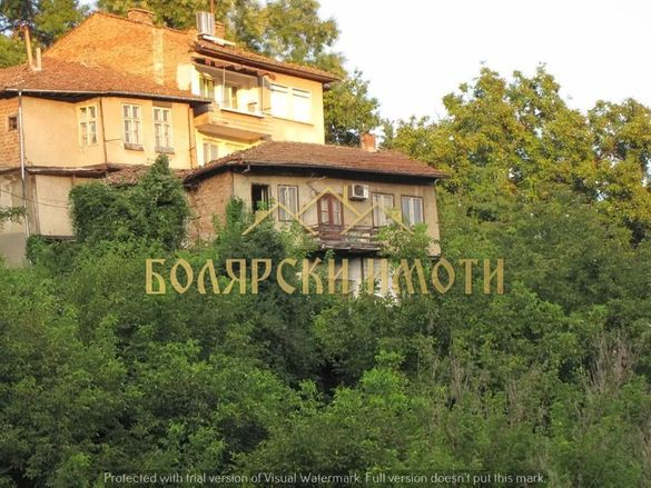 Стара възрожденска къща в емблематичната част на Търново