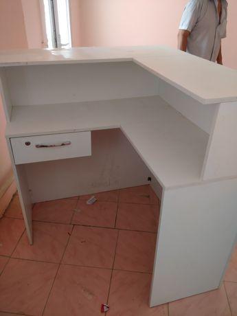 Шкафы для магазина
