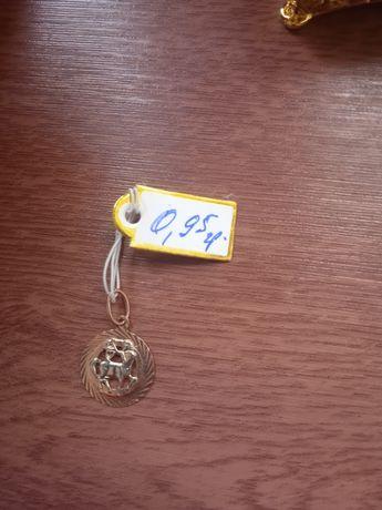 Продам золотой клон знак зодиак стрелец 585проба 0.95грамм