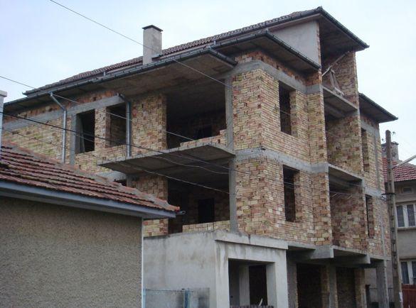 Къща груб строеж