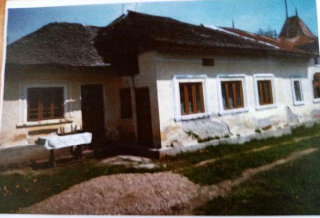 Casa cu teren de vânzare
