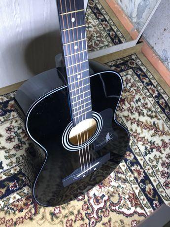 Продам новые гитары.