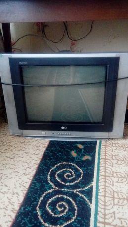 Продаю ТВ Цветной