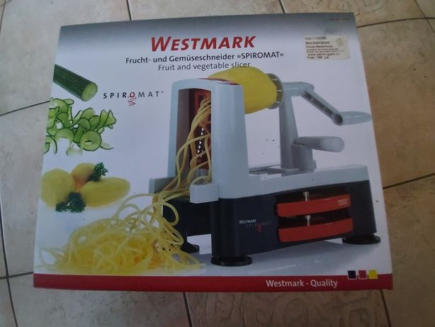 Masina pentru taiat fructe si legume