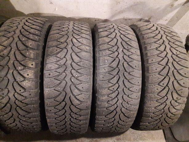 Продам зимние шины на 15 .205 /60 .15