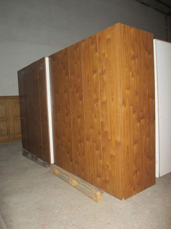 Шкаф гардероб внос от Европа