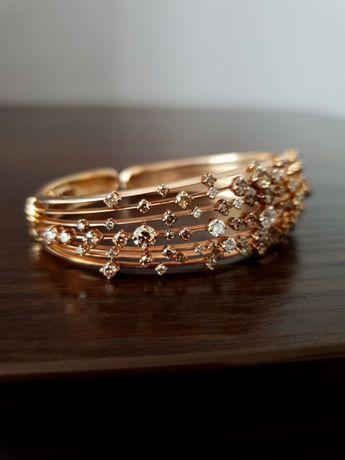 Продам шикарный золотой браслет с бриллиантами. Брендовый