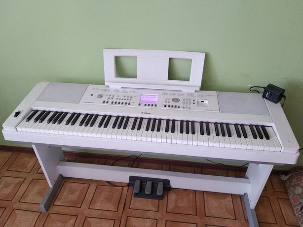 Синтезатор YAMAHA dgx-650