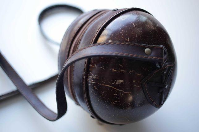 Geanta vintage de umar din nuca de cocos si piele (model rar) Cocobag