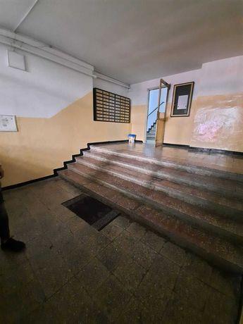 Vanzare - Apartament decomandat 2 camere - Gorjului Militari