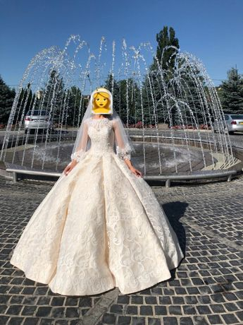 Свадебное платье Королевский кекс
