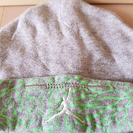 Комплект шапка и чорапи Air Jordan 0-6 месеца