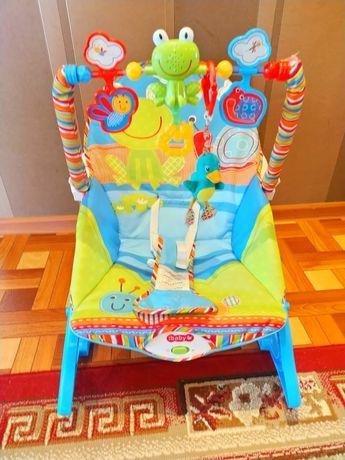 Продам детскую кресло качалка.