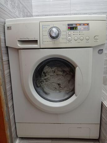 Продам стиральную машину и холодильник
