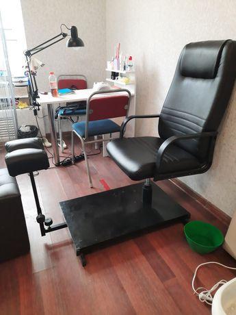 Продам педикюрное кресло кресло для педикюра