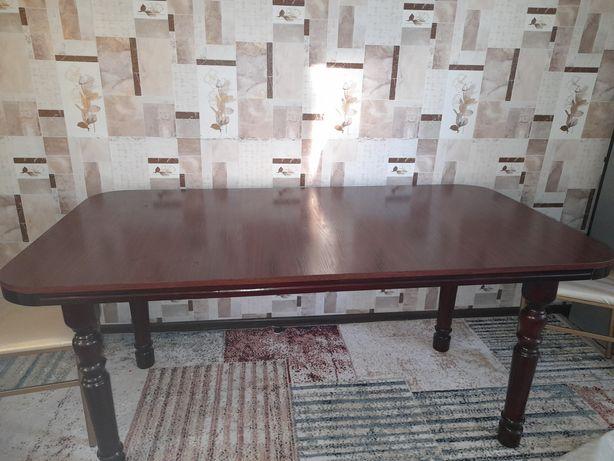 Продаётся кухонный стол