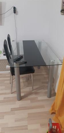 Трапезна стъклена маса