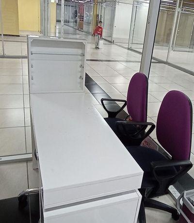 Продается Маникюрный стол