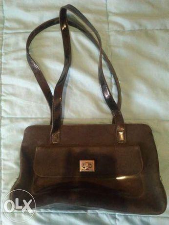 Дамска черна чанта - с кожа и велур