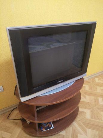 Продам телевизор. Цена 20000 тг. В хорошим состояние . Пульт есть
