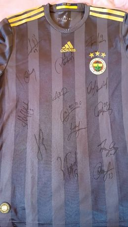 Футболна тениска на Фенербахче с автографи (Fenerbahce)