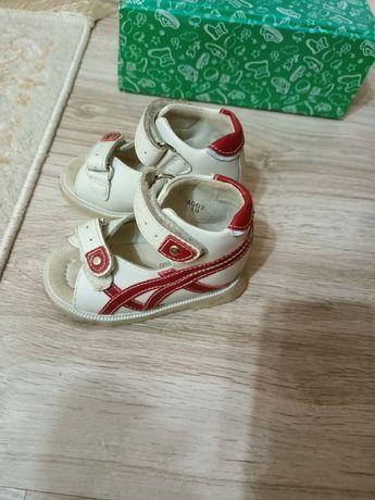 Детская ортопедическая обувь. Натуральная кожа. Размер 19.
