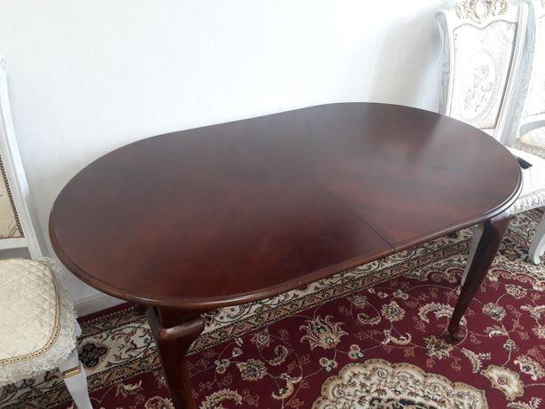 Продается гостинной стол
