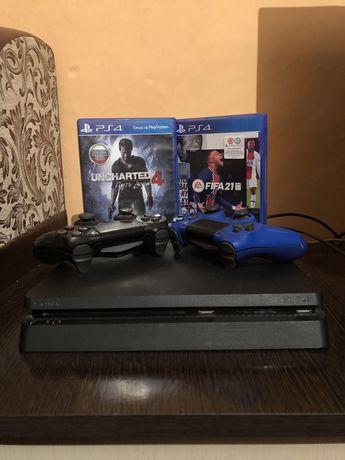 Продам Playstation 4 Slim