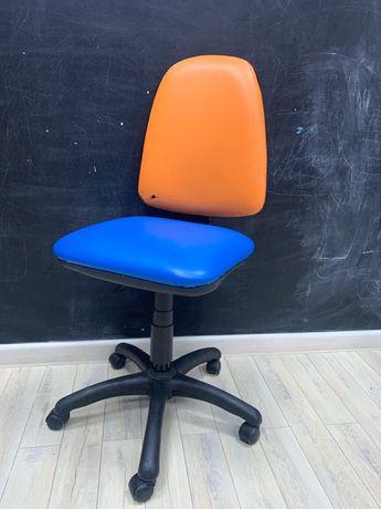 Распродажа детской Мебели, стул крутящийся