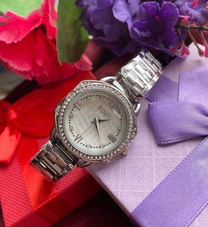 Продам часы Fendi новые в лукс качестве!!!
