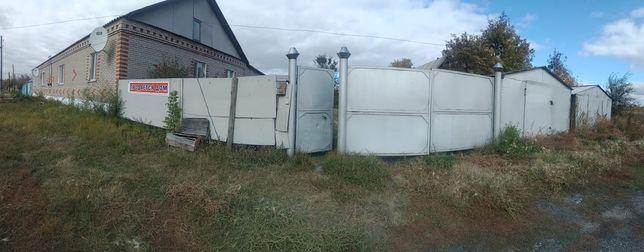 Продам квартиру в двухквартином доме с Боровское