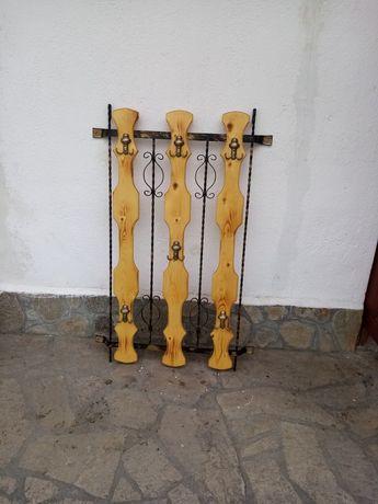 Закачалка за стена