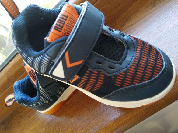 Светещи обувки като нови 23 номер 15см стелка
