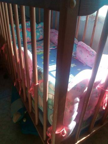 Детский кроватку
