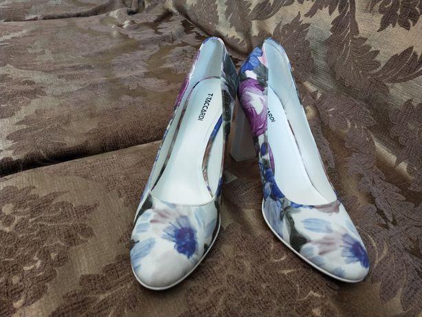 Туфли женские цветочные