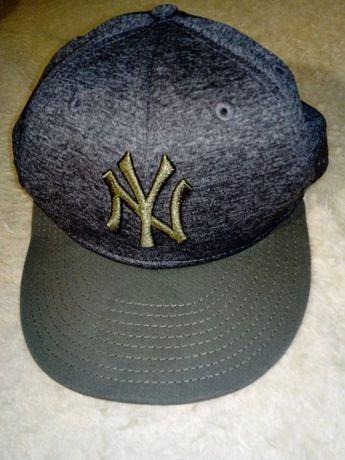 New Era (New York Yankees) - оригинална шапка, като нова!