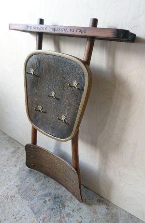 Закачалка за дрехи от стар виенски стол
