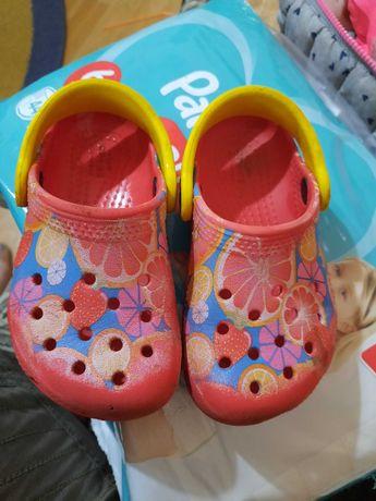 Papuci/slapi/sandale crocs original marime 23-23.5 (c7)