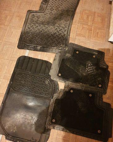 Универсальные автомобильные коврики для разных машин
