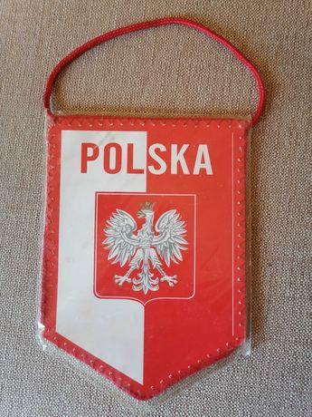 Продавам двустранно флагче на Полския Футболен Съюз