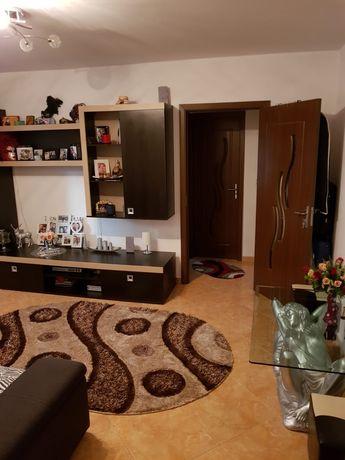 Inchiriez Apartament 2 camere zona narcisa complet mobilat