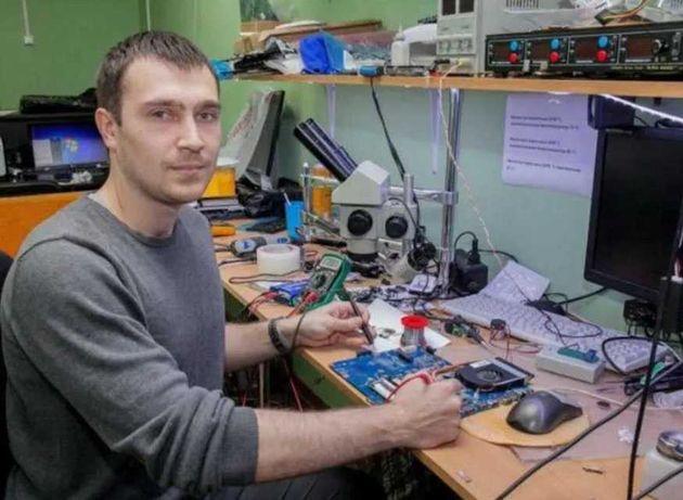 Программист Виталий Техник Ремонт чистка ноутбуков компьютеров. Выезд!