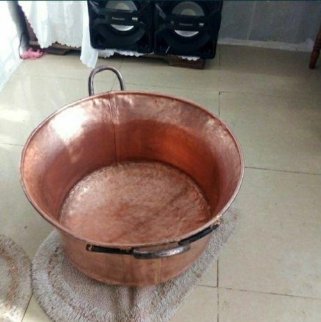 Vand caldare din cupru alimentar are 80 litri cu fundul de 3mm pareti