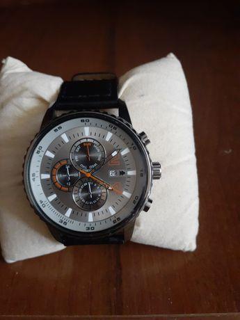 Продам мужские часы DeFacto