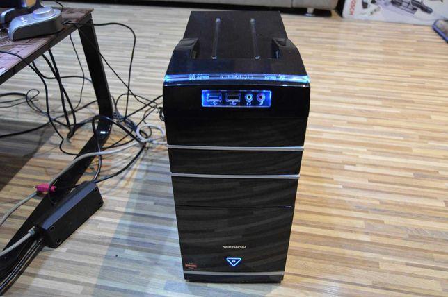 PC AMD Quad A10 5700 3.4 GhZ, Radeon HD 7660, 4GB DDR3 Ram, 750 GB HDD