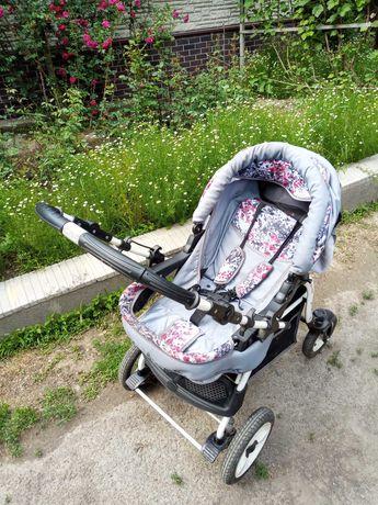 Продается детская коляска трансформер. 3 положения.