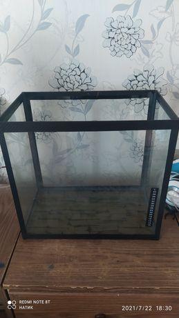 Продается аквариум 35 литров!Корм в подарок!