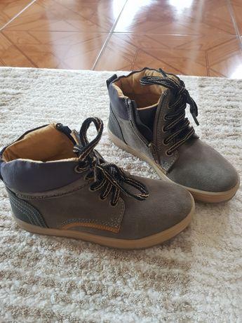 Pantofi NOI tip gheata, marimea 31